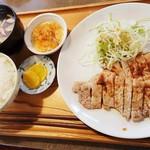 106077061 - 豚肉生姜焼定食 800円 2018/08