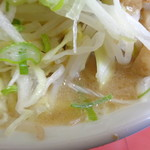 ラーメン二郎 - トロ旨乳化スープ