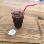 神谷珈琲 - ドリンク写真:サービスのアイス珈琲