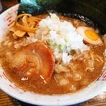 長浜ラーメン - 料理写真:とんこつやくみネギ醤油