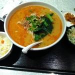 秋 - 担々刀削麺