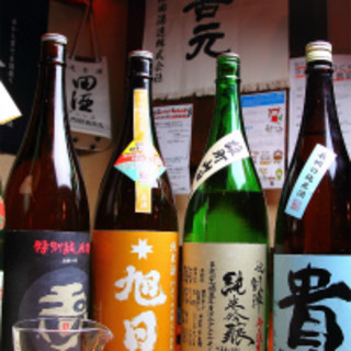 """唎酒師はもちろん""""日本酒学講師""""の資格も所有している店主"""