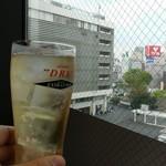 106081607 - ハイボール&新宿駅