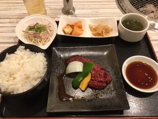 炭火焼肉 羅山 清田本店 - ステーキランチ