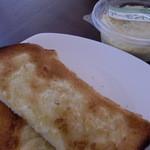 フルフル - お家で アーモンドバター トースト