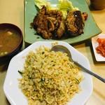 仙豆 - ミンチカツとトンテキ半々セットに炒飯