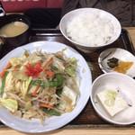 泉屋・手打うどん - やさい炒め定食 ¥800