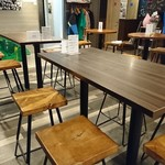 EAST57 Beer Bar&Cafe - 店内2