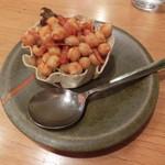 マンダラ - 豆サラダ432円
