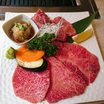 牛和鹿 - 上焼肉定食  3,200円