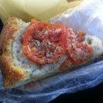 マカロニ市場 厚木店 - トマトとアンチョビのフォカッチャ 210