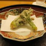 日本料理 太月 - 静岡天然タラの芽 天ぷら
