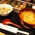 稲庭うどんとめし 金子半之助 - 2019/4/13 ディナーで利用。 高菜めしと稲庭うどん(温)(989円)
