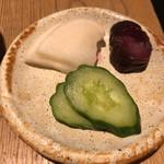 ぎょうざ処 高辻 亮昌 - 定食 780円 (お漬物)