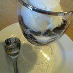 自家焙煎珈琲専門店 よしの珈琲 - 珈琲ゼリー アイスを乗せてもらいました