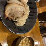つけ麺 井手 - つけ麺 チャーシュー、味玉とっぴ