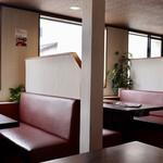 韓国料理・焼肉 きんちゃん - ボックス席主体のくつろぎ空間