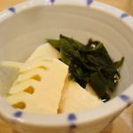 初かすみ酒房 - 料理写真:若竹煮物