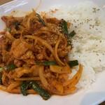 オムニ食堂 - 料理写真:豚バラ肉炒め飯