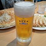 元祖浜松ぎょうざ 石松 - 静岡麦酒樽生