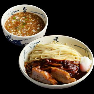 動物系&魚介系のWスープの3色のつけ麺!