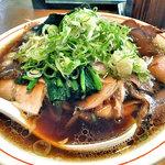 10615269 - 青島チャーシュー麺 + 薬味刻みねぎ増し
