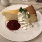 カフェ ウィーン - ベイクドチーズケーキ、コーヒーセットで1296円