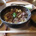 料理旅館 高砂 - ステーキ丼(山椒味噌仕立) 1000円 (2019.4)