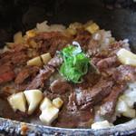 106153257 - 篠山牛のもも肉を使用