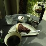 カフェ カッパー キャット - チョコバーボンクルミケーキセット