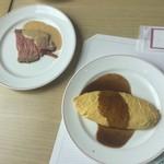 106159651 - 料理 ローストビーフとオムレツ