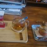 カップス コーヒー&カップケーキ - 紅茶+肉桂楓蜜ケーキ
