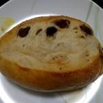マツオカパン - 料理写真:レーズンパン(200円+税)
