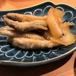 お料理 山乃口 - ワカサギの南蛮漬、玉葱デカすぎかと…