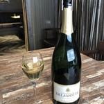 106169644 - Champagne DELAMOTTE