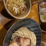 つけ麺 井手 - つけ麺 チャ―シュー、味玉とっぴ