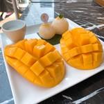 Make Me Mango - ②マンゴー&スティッキーライス175バーツ(≒約613円)