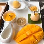 Make Me Mango - ①メイクミーマンゴーセット235バーツ(≒約823円)
