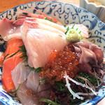 油屋 - ★★★☆ 海鮮丼 刺身たっぷり、新鮮で美味しいです!