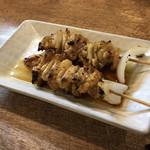 鳥峰 - 料理写真:かわ2本200円(税込)