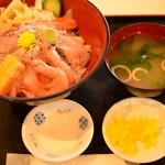 106181356 - 海鮮丼