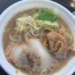 拉麺昭吉 - 料理写真:肉と野菜のガッツリラーメン 600円