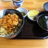 丸健水産 - 料理写真:季節のうに丼