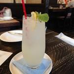 茶房こもん - レモンソーダ(680円)