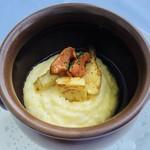 106189315 - 3種のチーズのポレンタ 生ウニ タケノコ