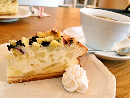 cafe braliva - 食後のプチケーキ