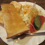 カフェ シャローム - モーニングのトースト