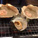 目利きの銀次 - 蟹味噌甲羅焼き・サザエのつぼ焼き