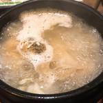 美成家 - 【2019年03月】参鶏湯定食、激アツな参鶏湯は、ボコボコいってます。