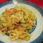 上海家庭料理 大吉 - 上海風やきそば¥1100